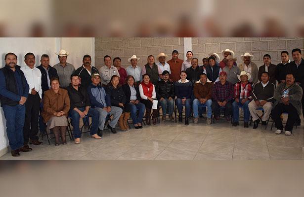 Se reúne alcaldesa de Pedro Escobedo con delegados