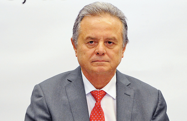 Piden senadores comparecencia del secretario de Energía y director de Pemex
