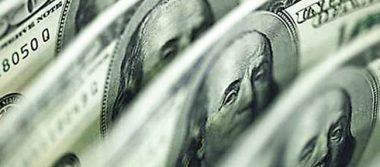 En el aeropuerto capitalino el dólar promedia en 18.34 pesos a la venta