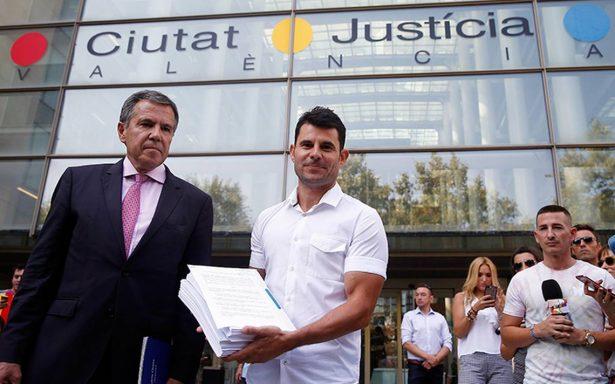 Supuesto hijo de Julio Iglesias presenta demanda de paternidad en España