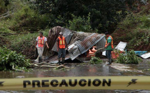 Van más de 70 casas afectadas y 65 deslizamientos de tierra en Xalapa por paso de Katia
