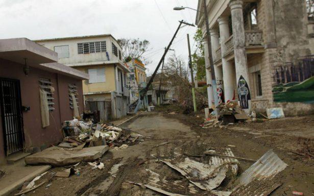 Gobernador de Puerto Rico eleva a 34 las muertes por el paso de huracán María