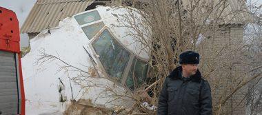 Se estrella avión turco de carga contra viviendas en Kirguistán hay 37 muertos