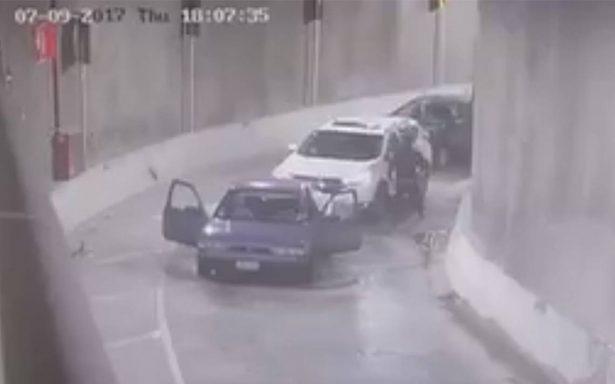 Captan en video presunto asalto dentro del deprimido Mixcoac