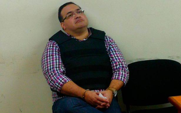 Javier Duarte levanta huelga de hambre tras sufrir deshidratación