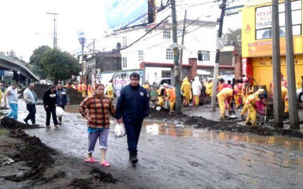 Mancera da banderazo a brigadas de apoyo tras lluvias; retiran 455 toneladas de lodo en zona sur