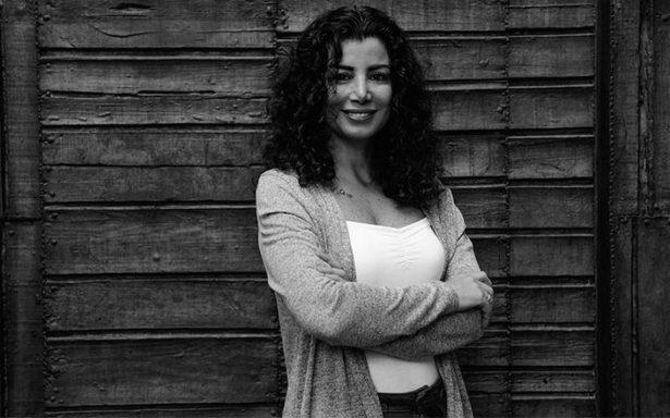 Conoce a Joumana Haddad, la poeta árabe que abraza la libertad del deseo
