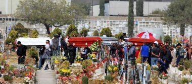Despiden a familia que perdió la vida tras volcadura de vagón en Ecatepec