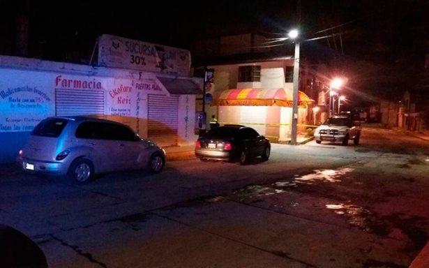 Abandonan en autos cadáver de mujer y partes de cuerpos en Ecatepec