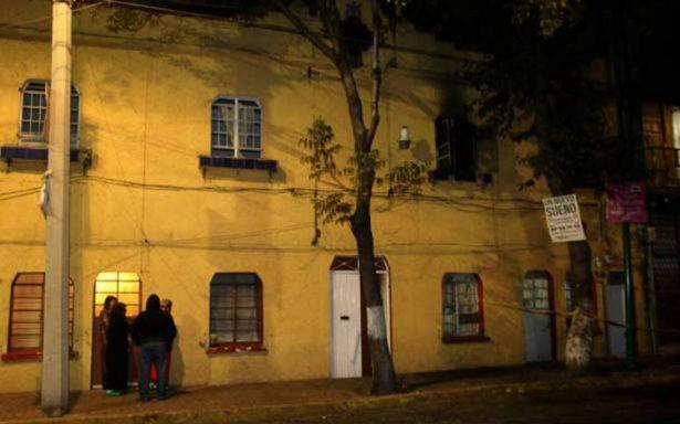 Por una veladora, mueren dos abuelitas en incendio en la Guerrero