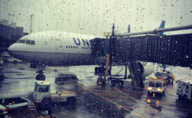Interjet suspende dos vuelos entre CDMX y Quintana Roo por tormenta Franklin