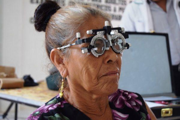 Iniciará DIF Soledad su  campaña de entrega de lentes