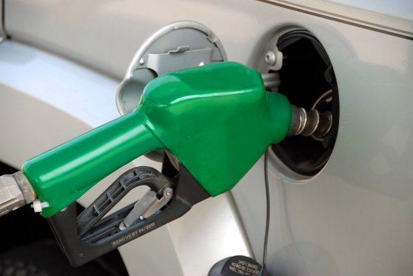Constante revisión de la Profeco a gasolina y gas