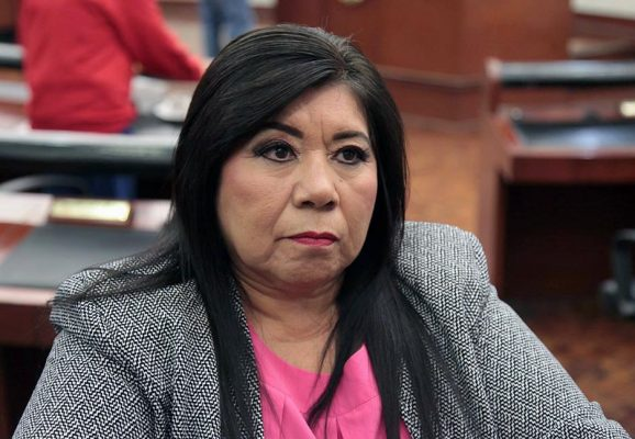 Xavier Nava traiciona al PRD y sirve a los intereses del PAN: Chela Gaitan