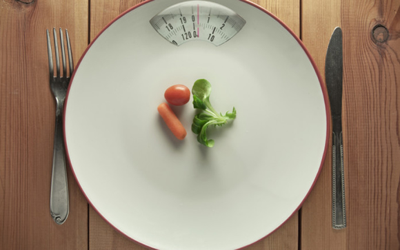 No existen dietas milagro para bajar de peso: IMSS