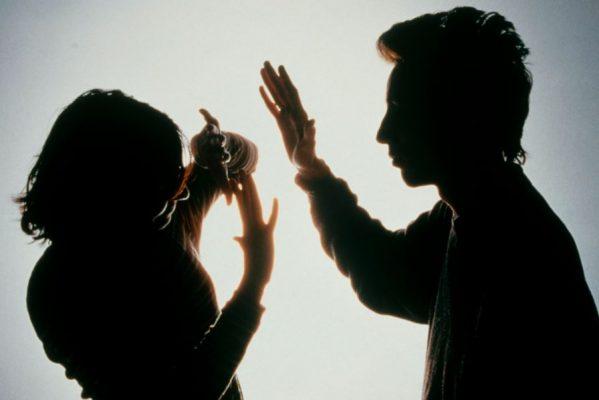 Acuerdan reparación del daño en caso de violencia familiar en ciudad valles