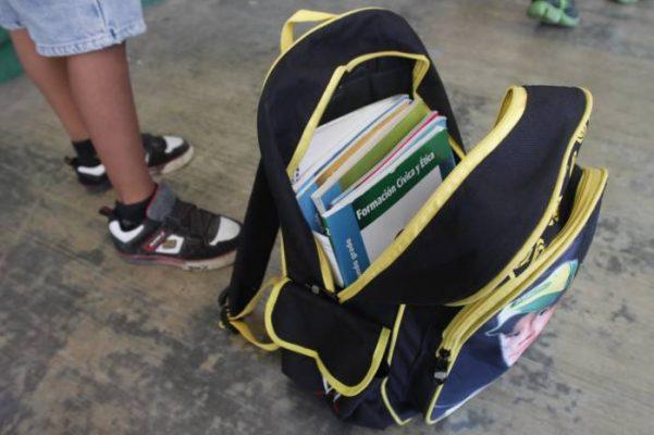 Hasta dolor de cabeza provocan las mochilas
