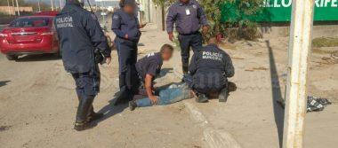 Tras choque y disputa, les descubren cartucho útil; hay dos detenidos (VIDEO)