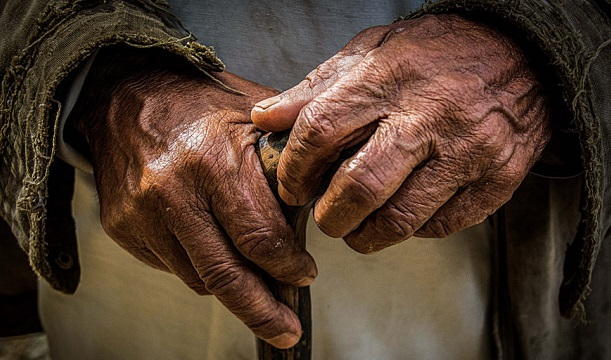 Busca el DIF de San Vicente atender a personas de la tercera edad