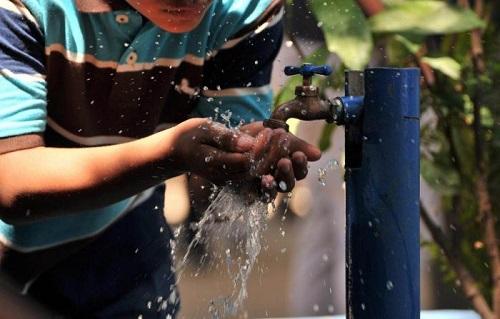 Vecinos de la Industrial Aviación cumplen 2 meses sin agua
