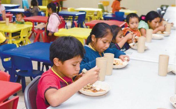 Más de 2 mil niños reciben desayunos fríos en sus escuelas