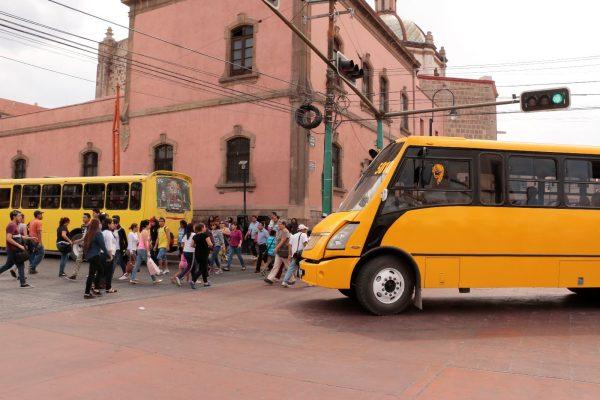 Se perfila un aumento de 25 centavos al transporte público