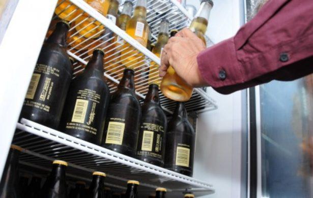 Realiza Inspección General una verificación en negocios de bebidas alcohólicas