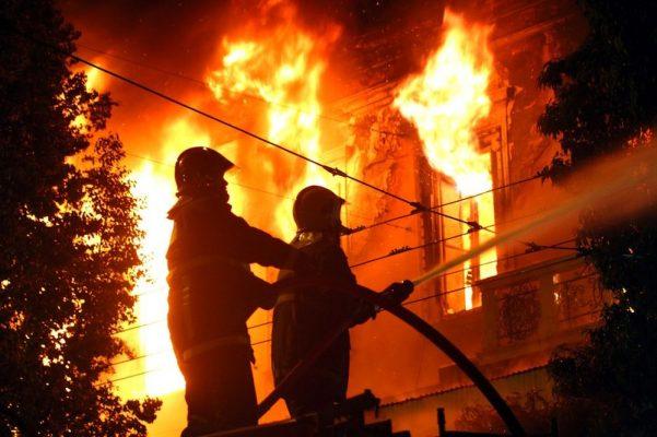 Municipio reconstruirá las viviendas que se incendiaron en San Juan