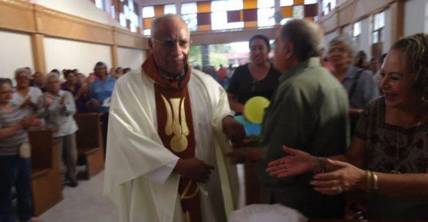 Celebró el Padre Toño 38 aniversario de ordenación sacerdotal