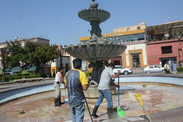Rehabilitan 10 fuentes en la capital de SLP