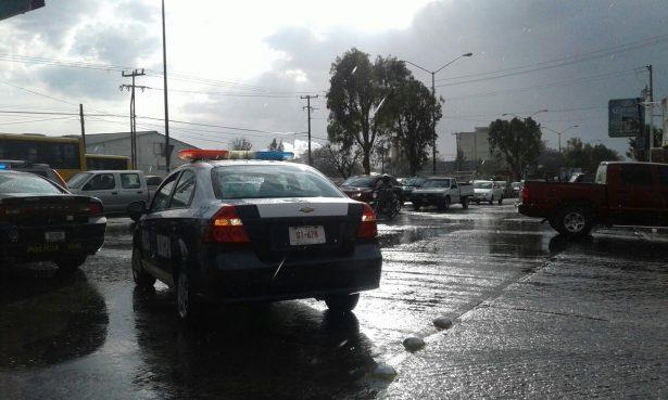 Dejan lluvias encharcamientos en Río Santiago y Acceso Norte