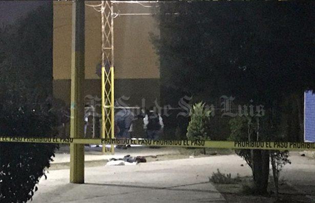 Asesinan pandilleros de petardazo en la cabeza a un joven