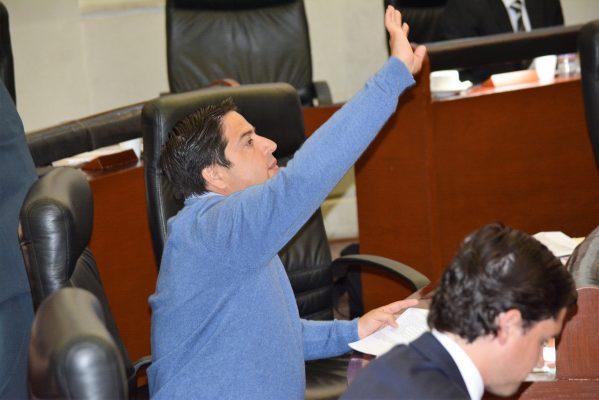 PRI y PAN arremeten contra Romero Calzada