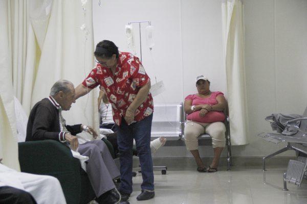 Hace falta más sensibilización para el cuidado del adulto mayor
