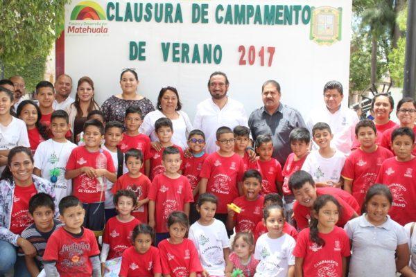 Entregan reconocimientos a participantes en Campamentos de Verano