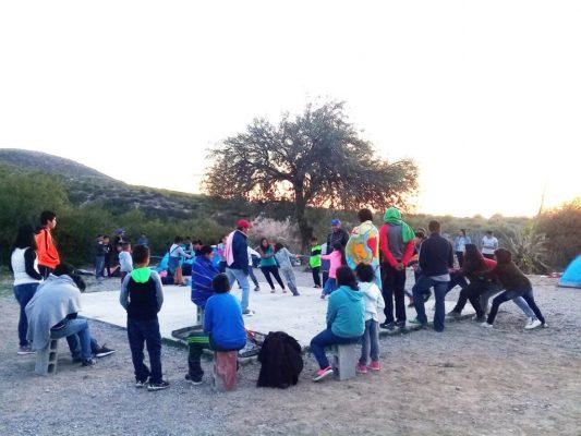 Vacacionistas de verano acampan en la comunidad de La Boca