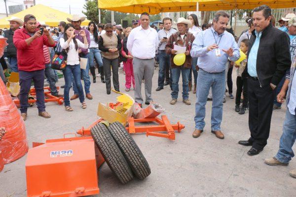 Productores agrícolas serán equipados por ayuntamiento