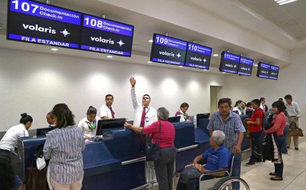 Pasajeros varados en aeropuerto de SLP fueron indemnizados por Volaris