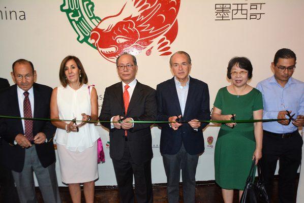 """Rotundo éxito en exposición """"Tinta China"""""""