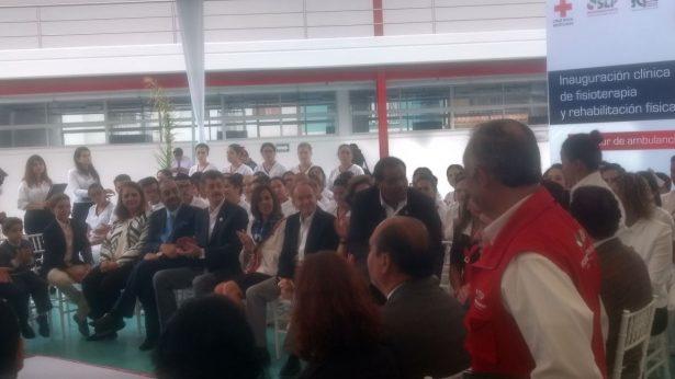 Inaugura la Cruz Roja  clínica de Fisioterapia