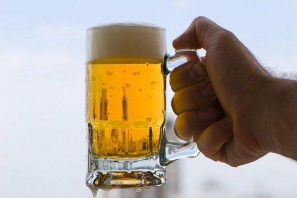 Cárcel por  robar cerveza y botana