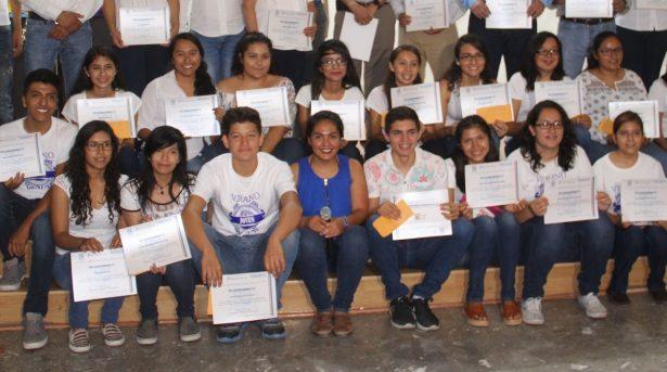 Jóvenes participan en Campamento Vida Rural Sustentable