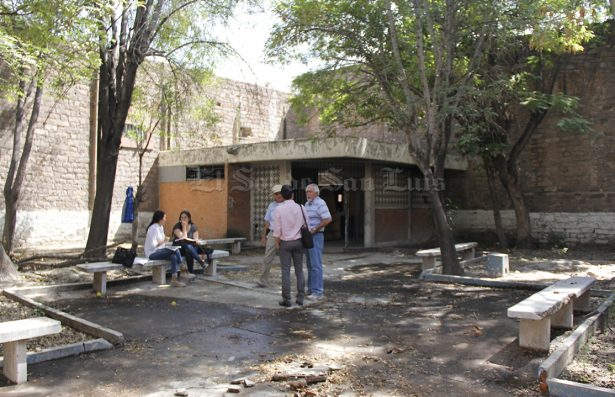 """La prensa recorrió el sitio que albergará el """"Museo Leonora Carrington"""""""