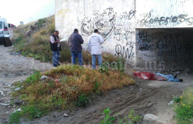 Encuentran cuerpo maniatado, fue arrojado bajo el puente Rocha Cordero