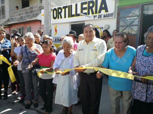 Inaugura el alcalde cuarto expendio de  tortilla subsidiada en la 1ª de Mayo