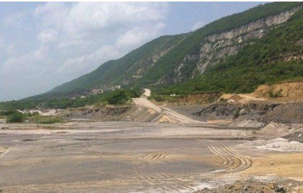 Detonaciones de dinamita dañan la sierra de Tanchipa