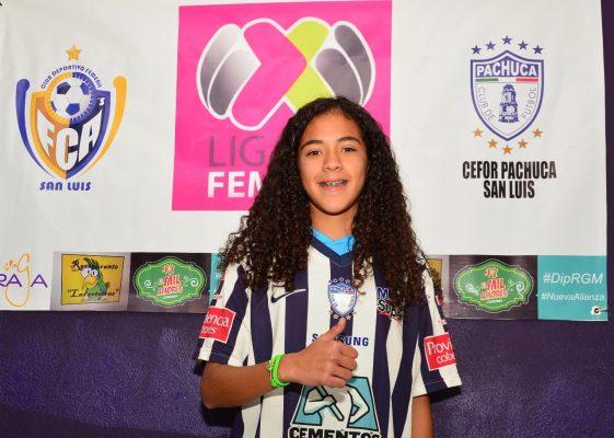 Convocan a futbolista potosina al Tri Femenil Sub 20