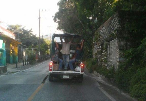 Transporte en Xilitla inseguro y comunicaciones se olvida de la ley