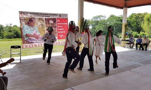 Discriminación obliga a indígenas a dejar sus tradiciones