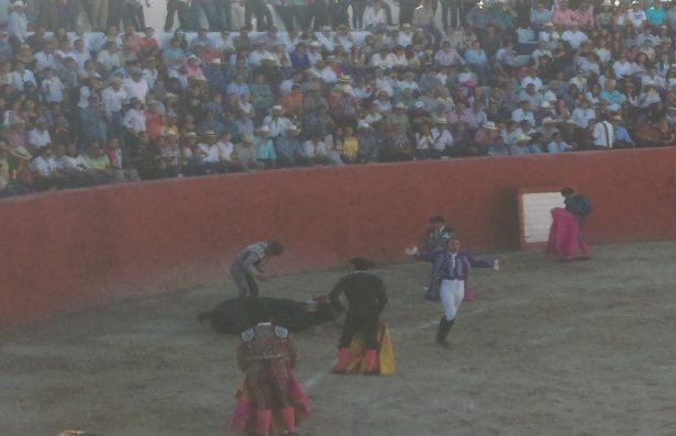 ¡Increíble! Puntilla de descabello perfora pulmón de niño en corrida de toros